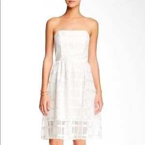 Everleigh check pattern white lace dress